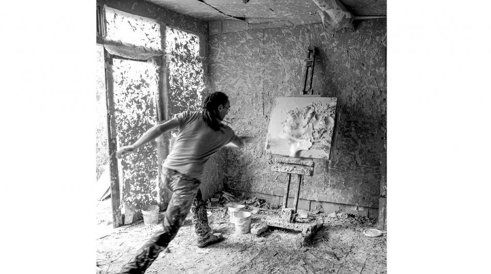 Artist in studio 2011      Photographer - Leonie Gill